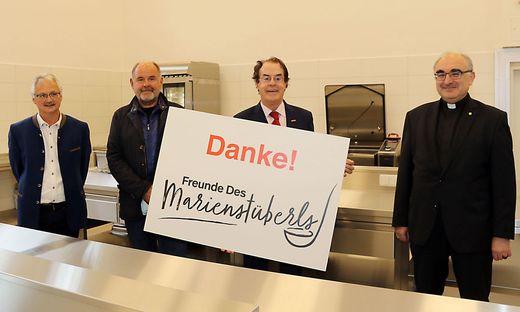 Caritas-Bereichsleiter Waltl, Schauspieler August Schmölzer, Marienstüberl-Schirmherr Hans Roth und Bischof Wilhelm Krautwaschl