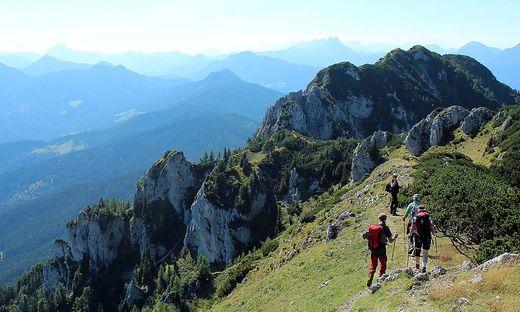 In einer viertägigen geführten Wanderung können Interessierte im August und September die Steiner Alpen erkunden
