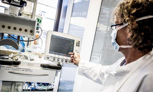 Covid-19 Corona Klinikum Klagenfurt Beatmungsgeraete erster Oberarzt Dr. Roland Steiner