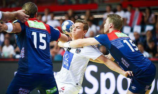 Der St. Veiter Sebastian Spendier ist einer der jungen Wilden im österreichischen Handball-Nationalteam (Mitte). Er hofft auf einen Einsatz bei der Heim-EM im Jänner