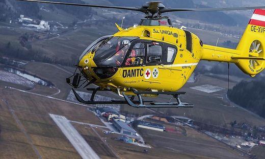 Der Bub musste per Hubschrauber ins Spital.