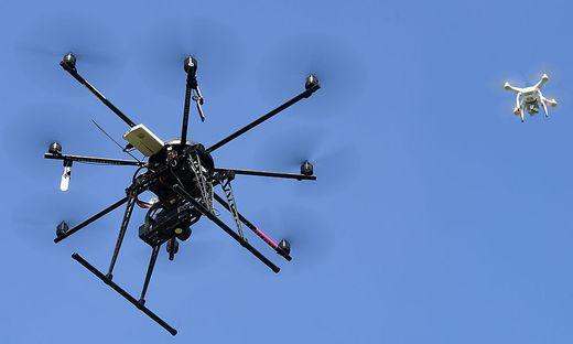 Drohnen bald im koordinierten Schwarmeinsatz