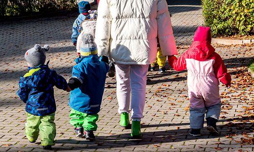 Welches Kind ist infiziert, welches ein Verdachtsfall? Kindergartenpädagogen sind aktuell verunsichert