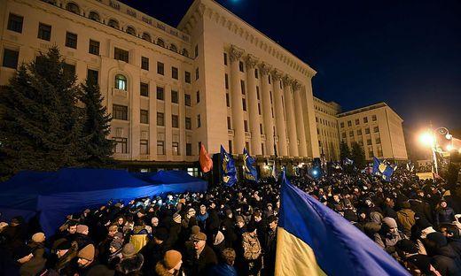UKRAINE-RUSSIA-DEMO-POLITICS-DIPLOMACY-CONFLICT