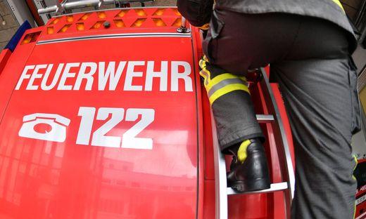 ++ THEMENBILD ++ SALZBURG: FEUERWEHR / NOTRUF / 122 / EINSATZKR�FTE