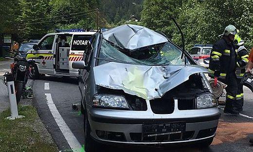 Das Auto wurde schwer beschädigt