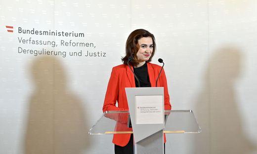 Die neue (grüne) Justizministerin Alma Zadic.