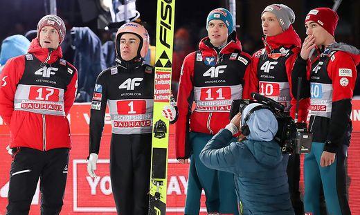 Stefan Kraft (2. von rechts) und Co. verpassten bei der Tournee einen Podestplatz