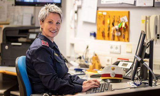 Karin Jenic nimmt in ihrer Dienststelle in Bad Eisenkappel eine breite Palette an Aufgaben wahr