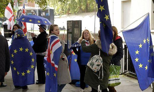 Bleiben oder gehen? Kommt heute Brexit-Einigung?