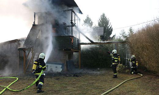 Baumhaus brannte