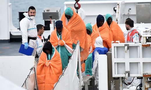 ITALY-MIGRANTS-RESCUE-SEA