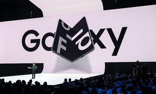 Mit dem Klapp-Smartphone Galaxy Fold erregte Samsung Aufsehen