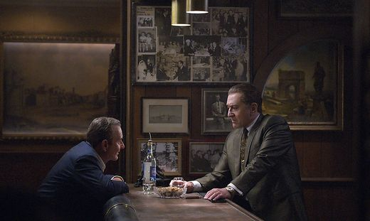 "Szene aus ""The Irishman"" mit Robert DeNiro in der Hauptrolle"