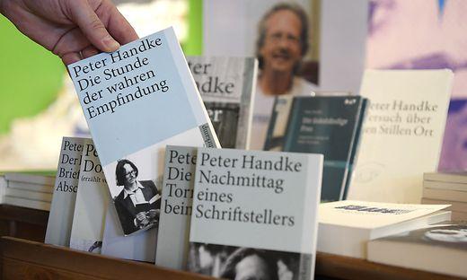 Auch kontaktloser Buchverkauf ist verboten
