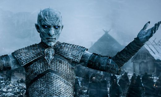 """""""Game of Thrones"""":  Vielleicht sitzt am Ende er am Eisernen Thron? Zumindest kältetechnisch hätte der Nachtkönig kein Problem damit"""