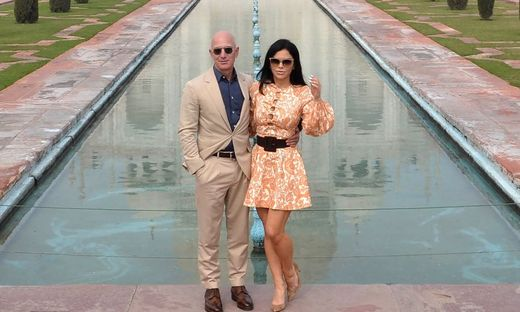 Bezos mit seiner neuen Freundin Sanchez