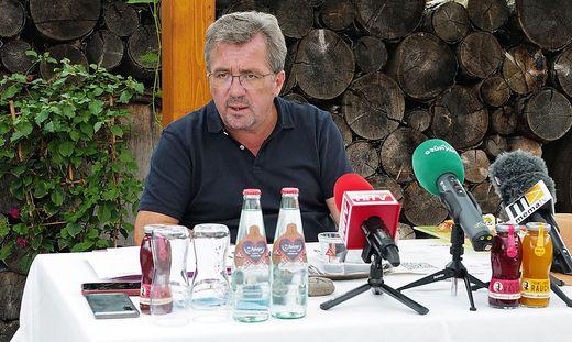 Peter Koch beim Pressegespräch im Gasthaus Hollerer in Oberaich