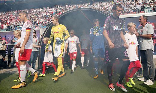 Die Nachwuchsspieler dürfen nicht mit Red Bull Leipzig einlaufen