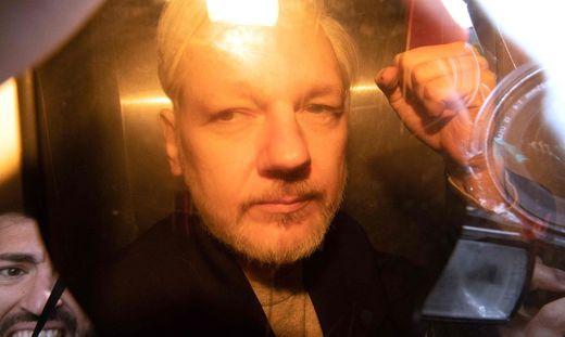 Julian Assange muss für 50 Wochen ins Gefängnis
