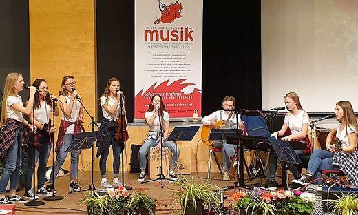 120 von 420 Schülerinnen und Schülern der Brahms-Musikschule Mürzzuschlag nehmen teil