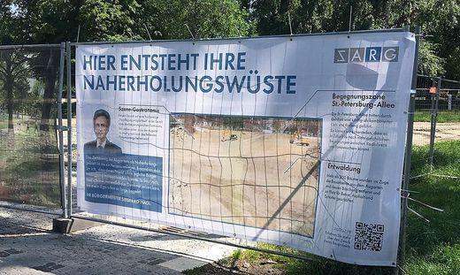 Naherholungswüste statt Naherholungsgebiet - Plakat im Augarten