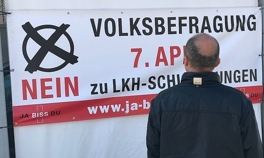 Plakat zur Volksbefragung am 7. April in Liezen