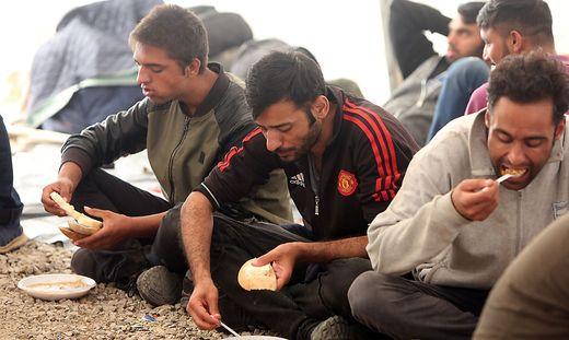 BIH, Fluechtlingskrise 2019, Migranten im Lager Bihac