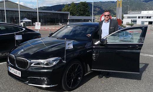 Taxiunternehmer Michael Kleißner mit der Präsidentenlimousine
