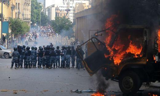 In Beirut wird gegen die Regierung protestiert