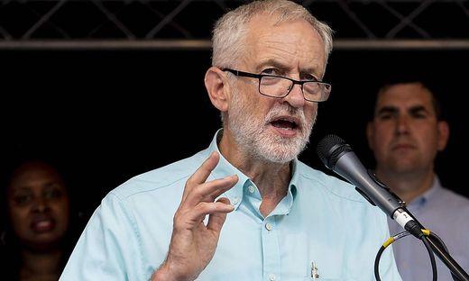 Brexit: Corbyn will als Übergangs-Premier No Deal verhindern