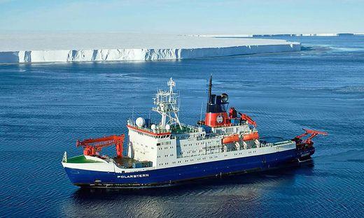 """Das Forschungsschiff """"Polarstern"""" ist vor Ort"""