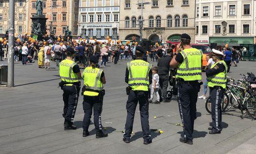 Die Demo verlief ruhig, laut Grazer Polizeibeamte