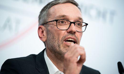 FPÖ-Klubobmann Kickl würden maximal 500 Euro Strafe drohen.