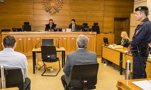 Die beiden wurden im vergangenen Oktober in Klagenfurt nicht rechtskräftig zu 24 bzw. 20 Monaten Haft verurteilt