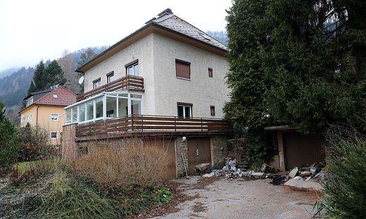 In diesem Haus am Ossiacher See wurde am 20. Juni 2018 ein Brand gelegt - wohl von einer der drei Frauen