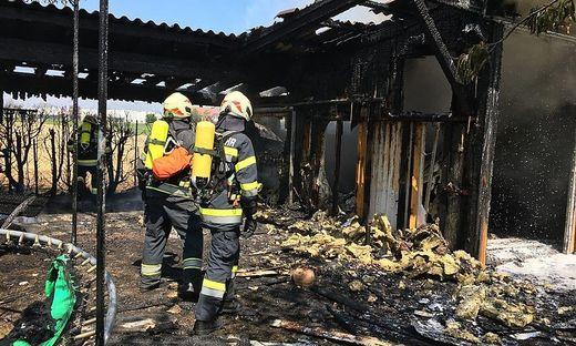 Garage brannte ab