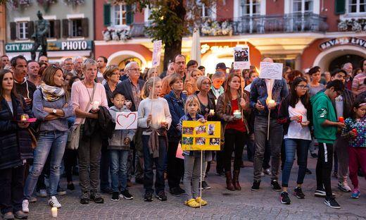 Die Lienzer setzten am Sonntag ein Zeichen - gegen die Abschiebung der Magomedovs aus Österreich