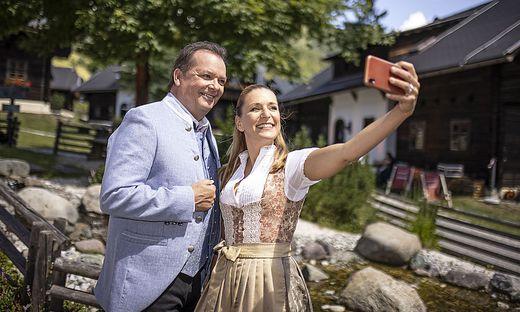 Arnulf Prasch und Stefanie Hertel moderieren