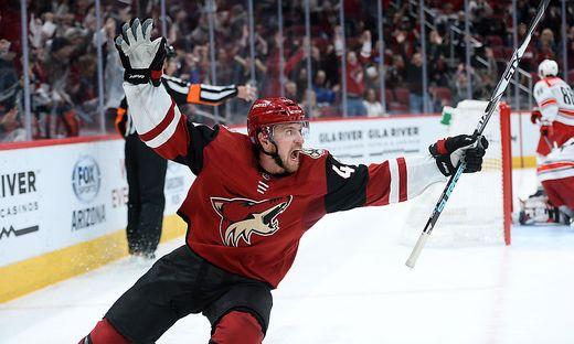 ICE HOCKEY - NHL, Coyotes vs Hurricanes