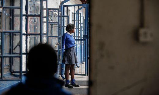 Schülerinnen sind gleichzeitig schwanger - Behörden stehen vor einem Rätsel