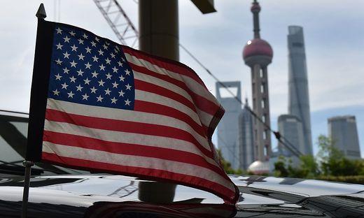 Die US-Flagge weht in Shanghai