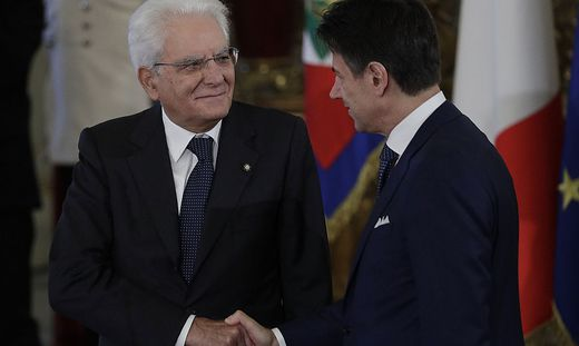 Staatspräsident Sergio Mattarella mit Premier Giuseppe Conte