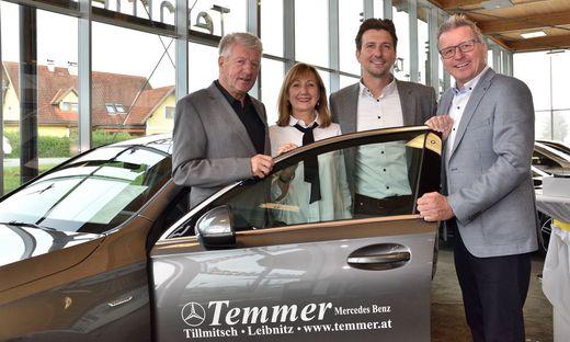 Walter und Renate Temmer mit Sohn Andreas und dem neuen Geschäftsführer Herbert Pirker