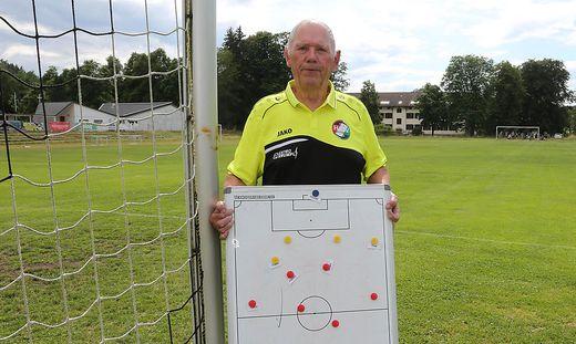 """Siegfried Höfferer war früher auch Trainer. Heute ist er """"Mädchen für alles"""", wie er selbst sagt"""