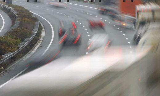 Streit im Auto eskaliert - Frau stirbt auf A2