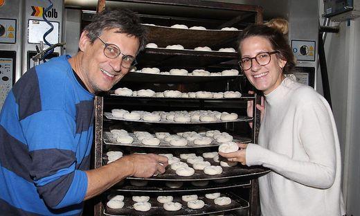 Die Bäckerei Joast wird in dritter Generation geführt: Bäckermeister Ernst Joast mit Tochter Agnes