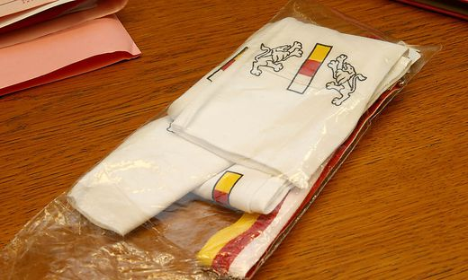 """""""Kärntner Schal aus Baumwolle"""" aus der Türkei für das BZÖ"""