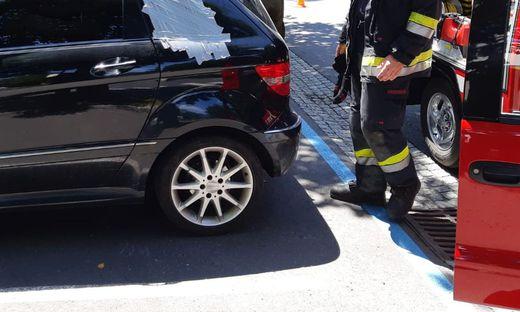 ++ HANDOUT ++ STEIERMARK: FEUERWEHR BEFREITE STEIRISCHES KIND AUS HEISSEM AUTO