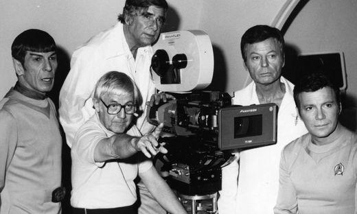 STAR TREK: THE MOTION PICTURE LEONARD NIMOY, DIRECTOR ROBERT WISE, WRITER / CREATOR GENE RODDENBERRY , DEFORREST KELLEY,